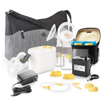 In Style with MaxFlow Breast Pump with Tote