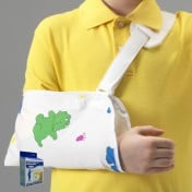 KidsLine Cradle Arm Sling with Character Print