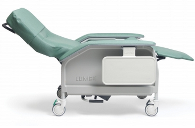 lumex deluxe clinical care geri chair recliner with tray 4dc