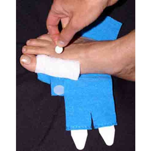 Tapeless Reusable Non-Adhesive Dressing Holder System